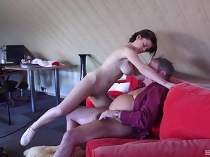 Veronica Morre wants close to suck on a mature man's erected howler